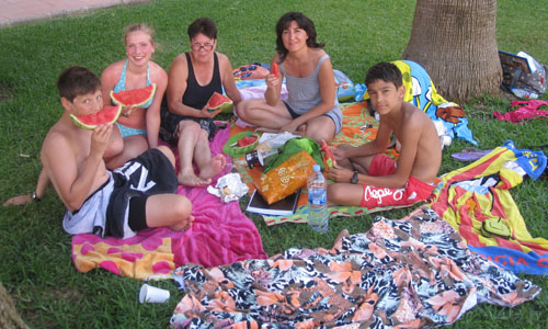Spanish-courses-with-host-families