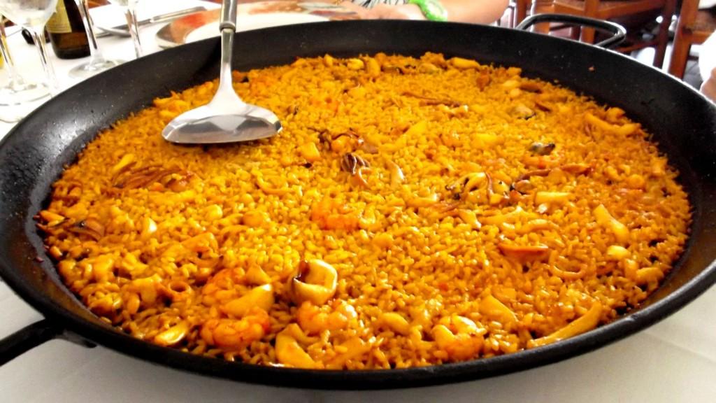 Spanish arroz a banda