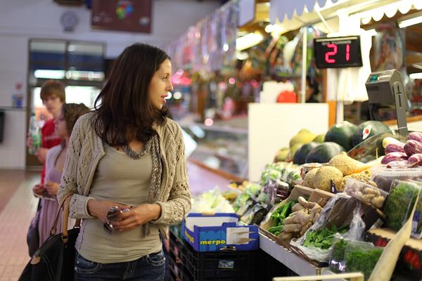 Spanish student visiting the Denia market