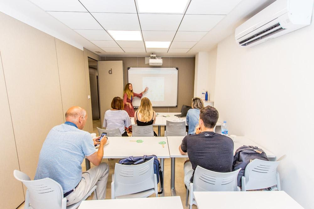 school spanish class with board