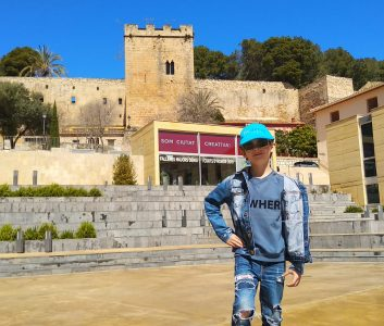 Spanish for Children (Mini-group) (5-15 years old)