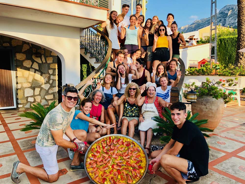 School group Spanish programme in a paella workshop