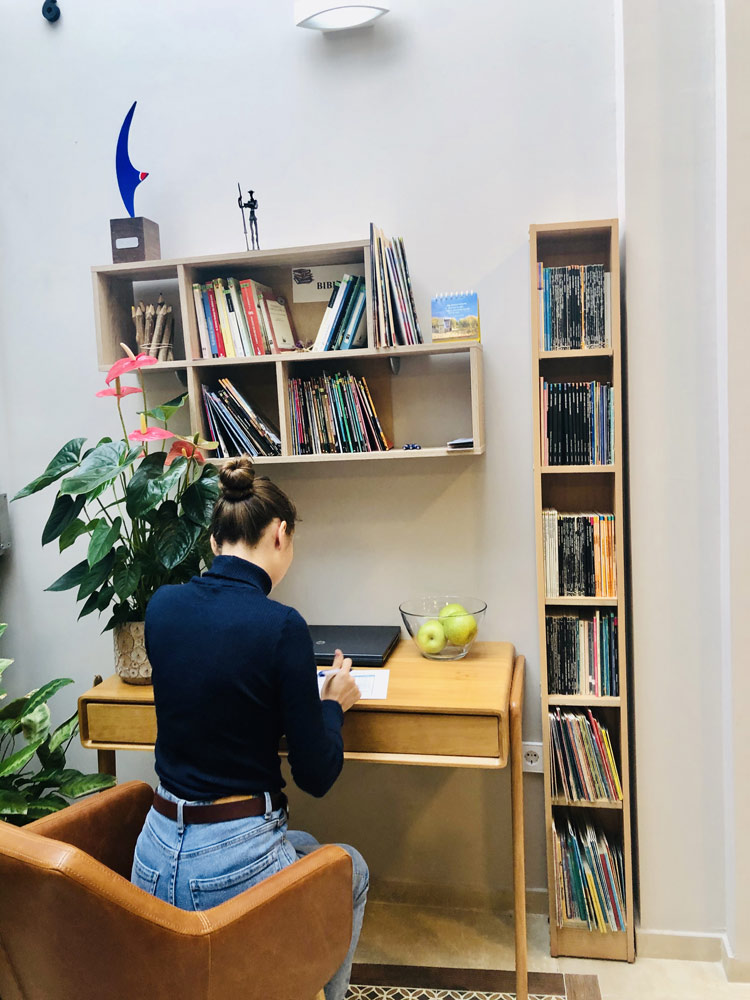 study spanish in spain reading books
