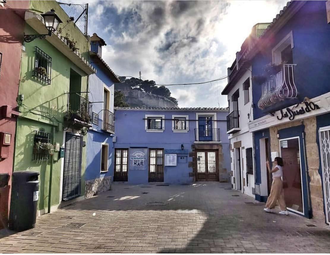 square de Dénia, costa blanca, en Espagne