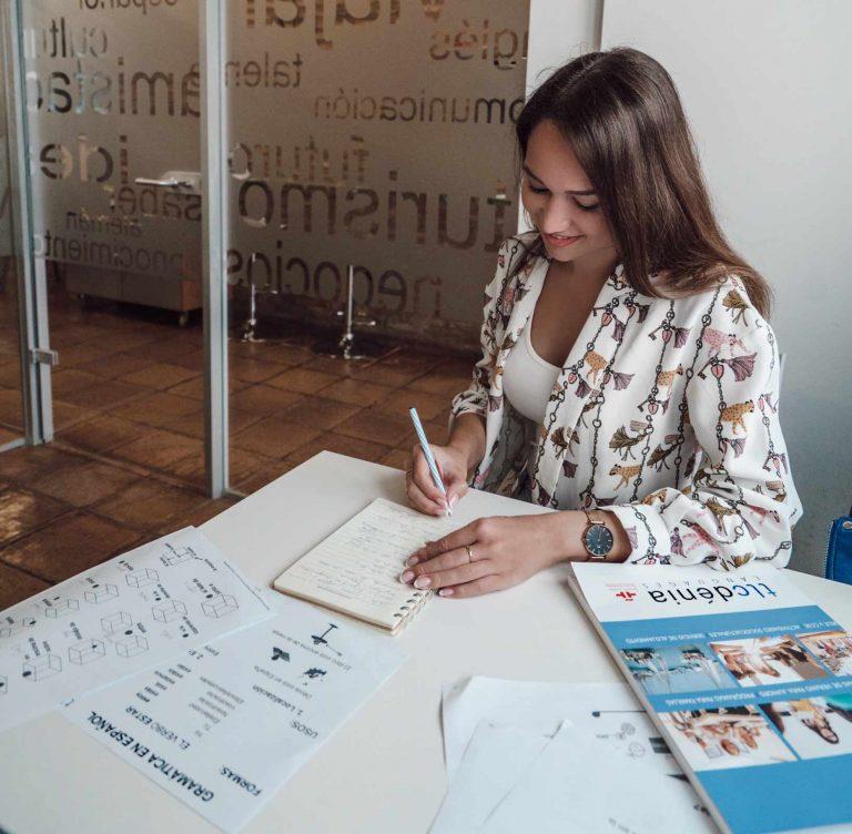 étudiante des cours d'espagnol en Espagne à tlcdenia en Espagne