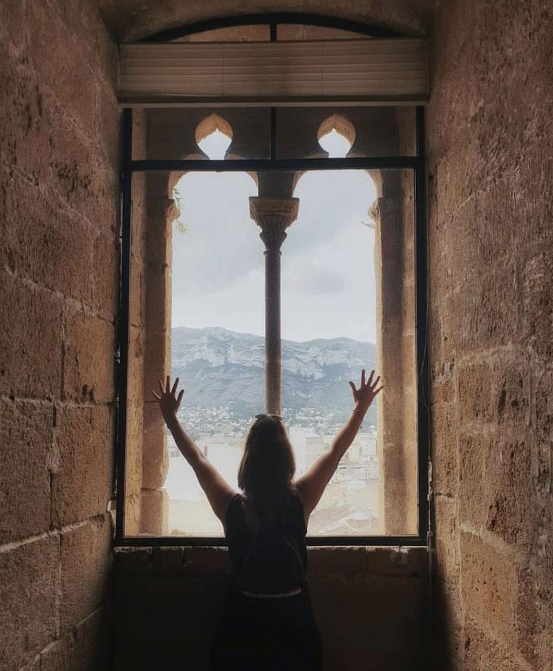 Student of Spanish visiting Denia's castle