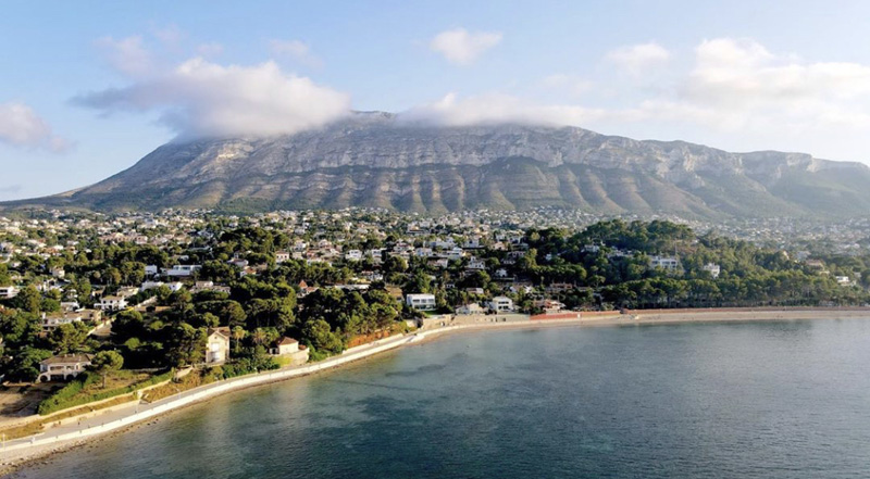 Denia's mountains make the city one of the best places to learn Spanish