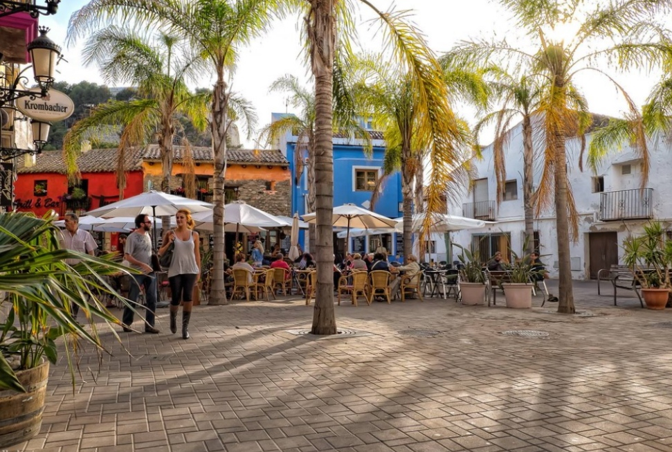 Square in Denia where you can learn Spanish abroad